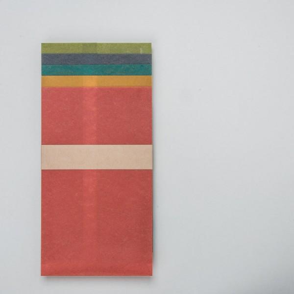 Tüte aus farbigem Wachspapier mittel