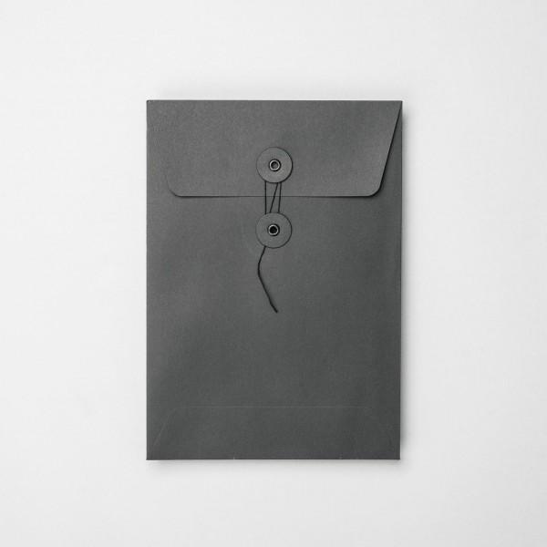 """Umschlag mit Kordel """"schwarz"""" C5"""
