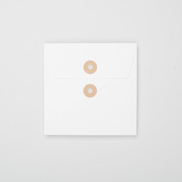 """Umschlag mit Kordel """"weiß"""" Q (10 Stück)"""