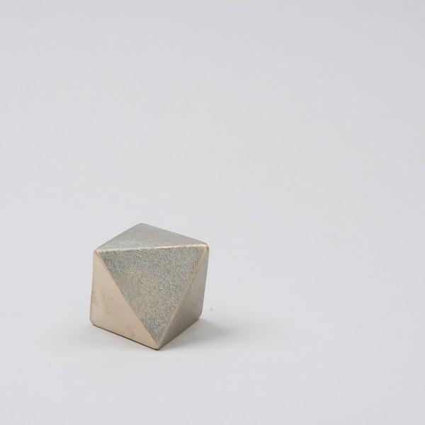 Futagami Briefbeschwerer Dreieck