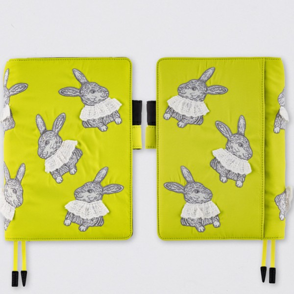 Hobonichi 2022 Techo Cousin Kalender A5 Candy Stripper: Sweet Bunny Set
